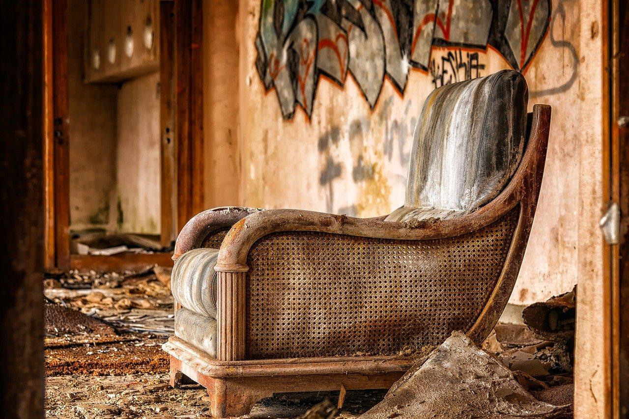 Starinsko pohištvo postaja čedalje bolj priljubljeno